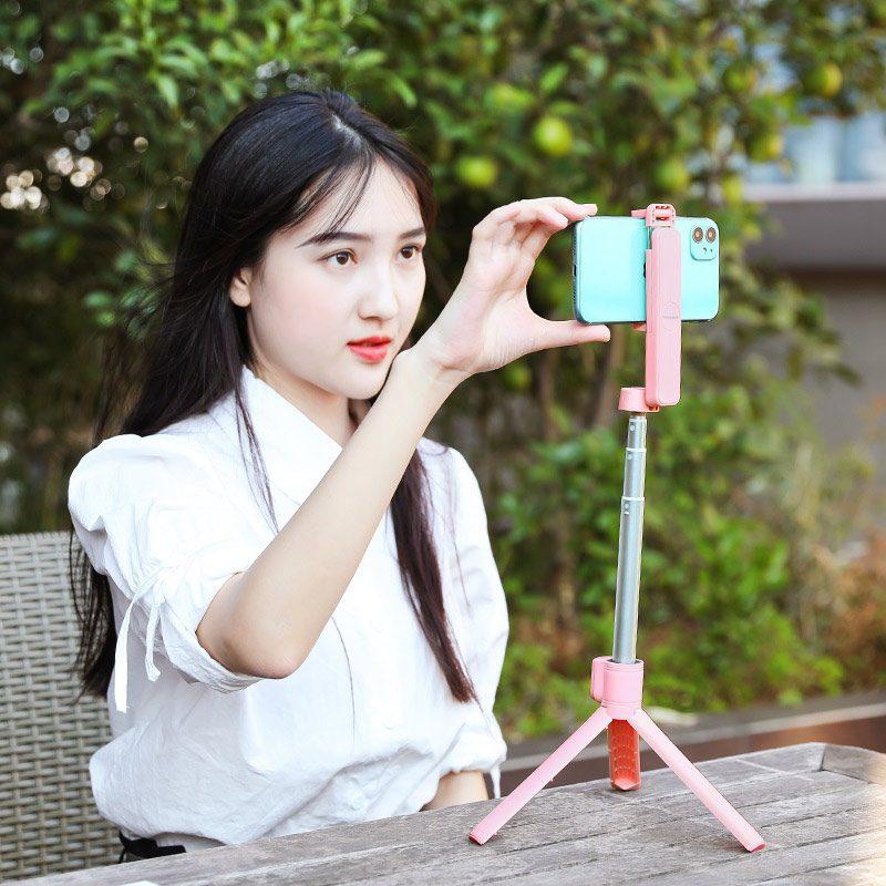 borofone by5 leo wireless selfie stick tripod stand girl